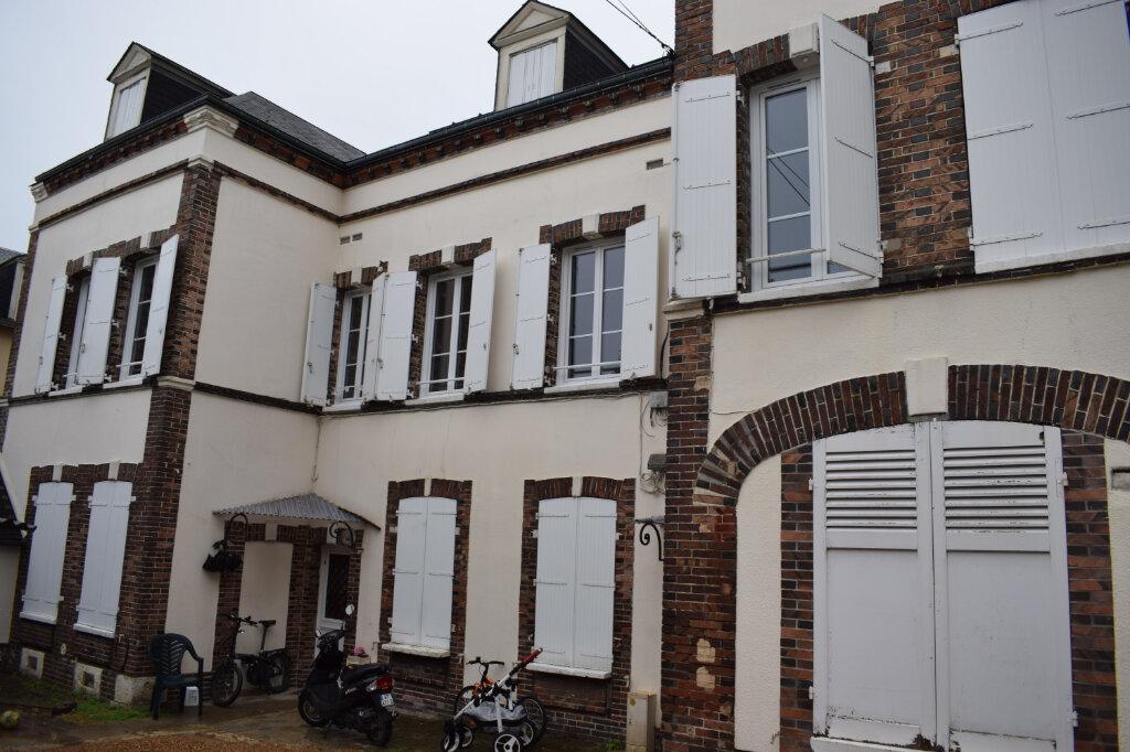 Appartement à louer 3 68m2 à Chartres vignette-1
