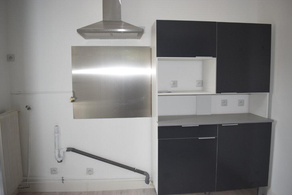 Appartement à louer 3 68m2 à Chartres vignette-7