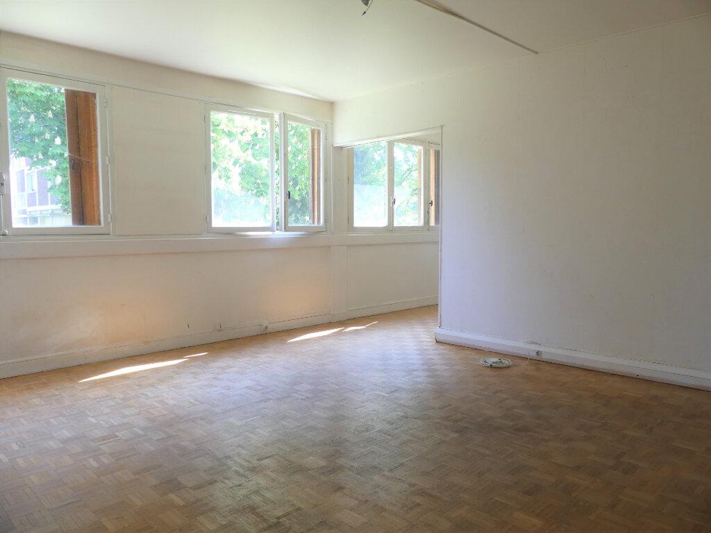 Appartement à vendre 4 71.32m2 à Verneuil-sur-Seine vignette-1