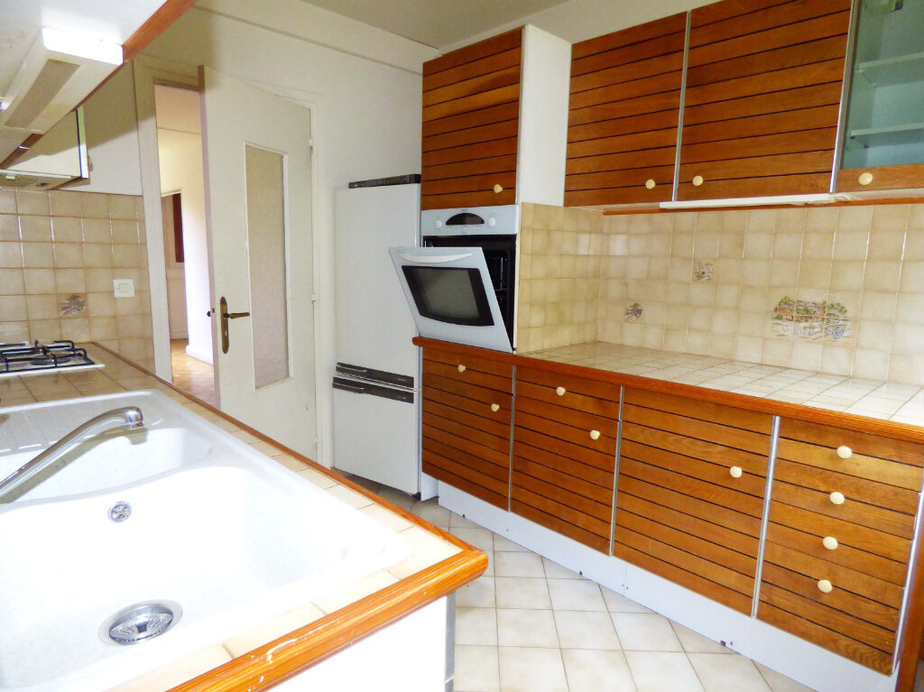 Appartement à vendre 4 71.32m2 à Verneuil-sur-Seine vignette-3