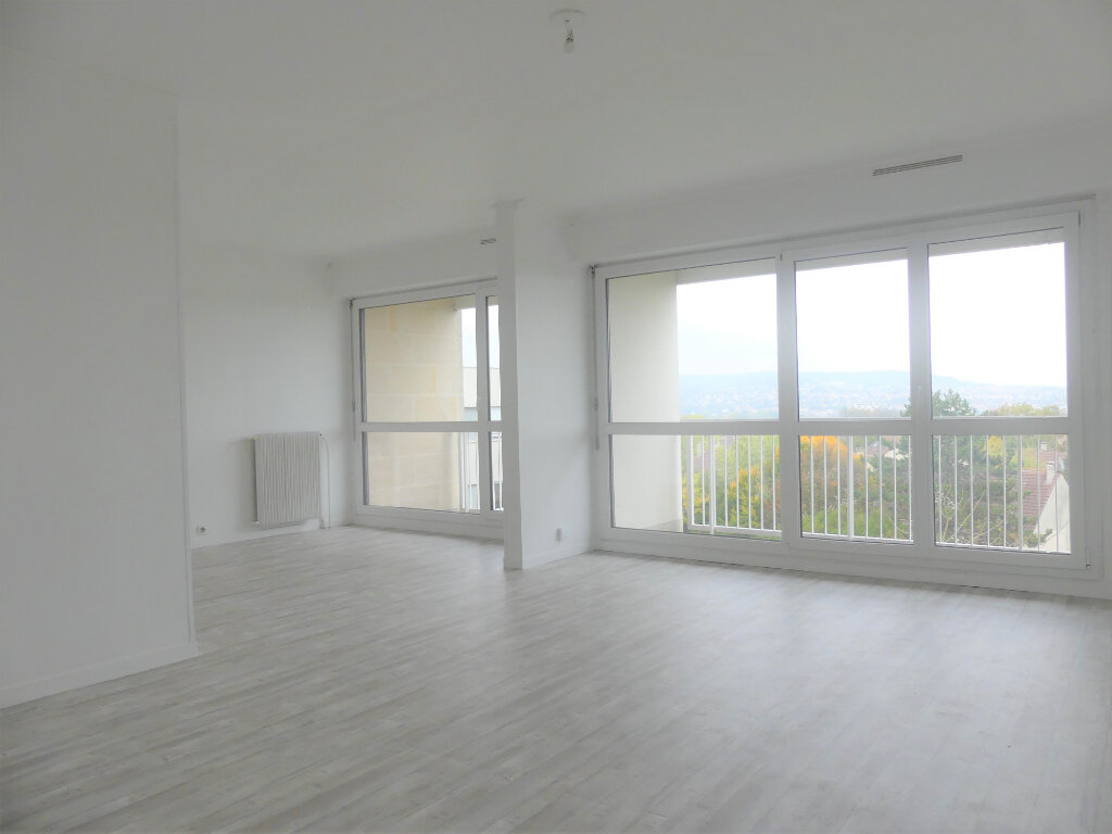 Appartement à louer 4 85m2 à Verneuil-sur-Seine vignette-2