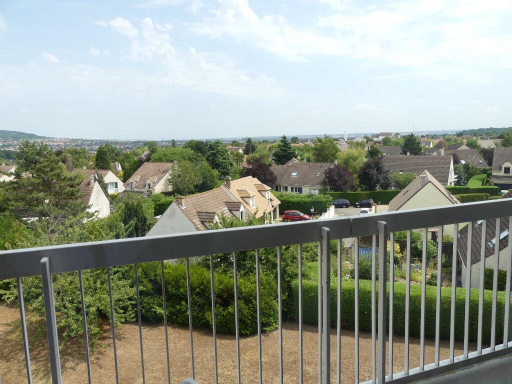 Appartement à louer 4 85m2 à Verneuil-sur-Seine vignette-3