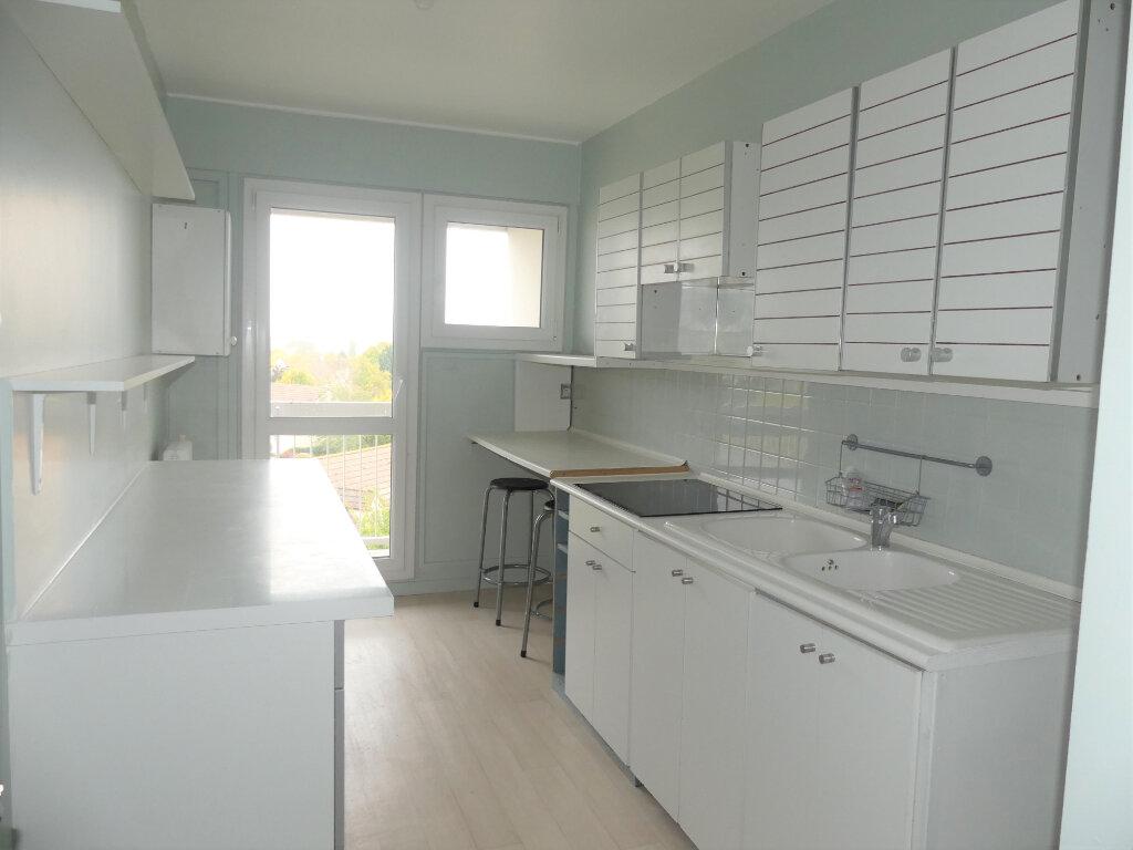 Appartement à louer 4 85m2 à Verneuil-sur-Seine vignette-4