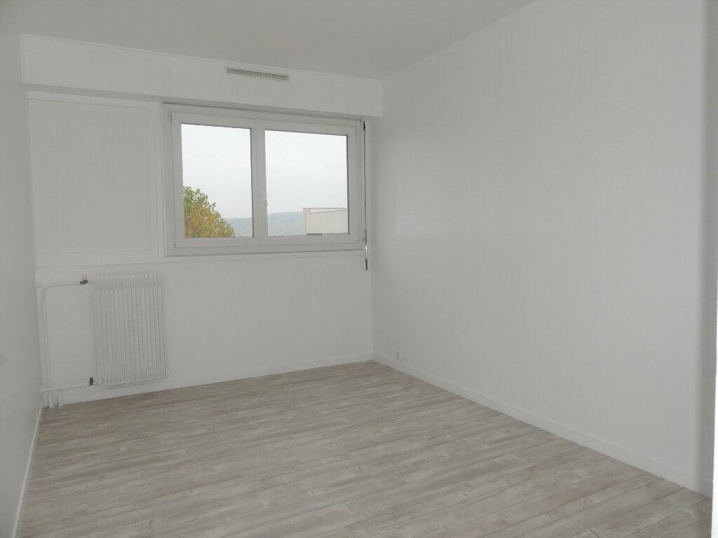Appartement à louer 4 85m2 à Verneuil-sur-Seine vignette-6