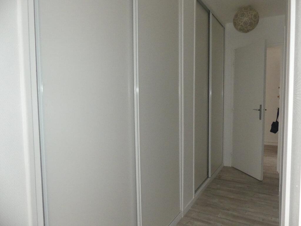Appartement à louer 4 85m2 à Verneuil-sur-Seine vignette-8