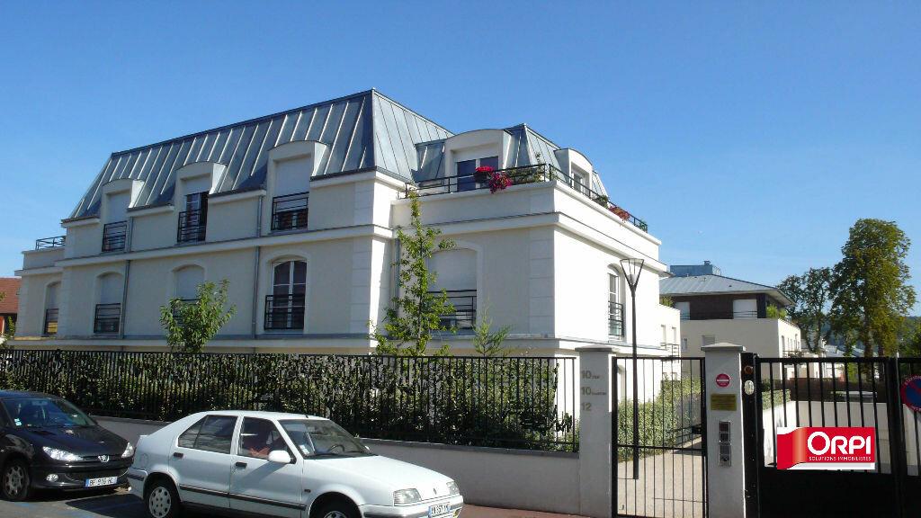 Appartement à louer 1 25m2 à Verneuil-sur-Seine vignette-1