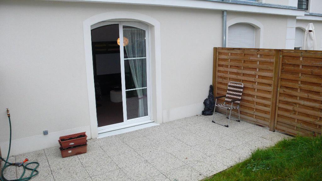 Appartement à louer 1 25m2 à Verneuil-sur-Seine vignette-2