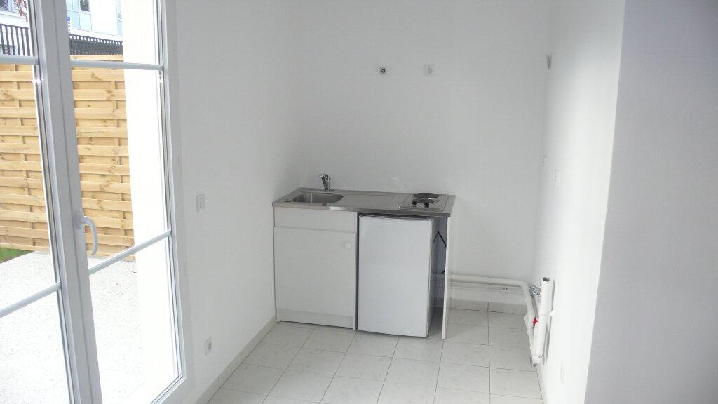 Appartement à louer 1 25m2 à Verneuil-sur-Seine vignette-5