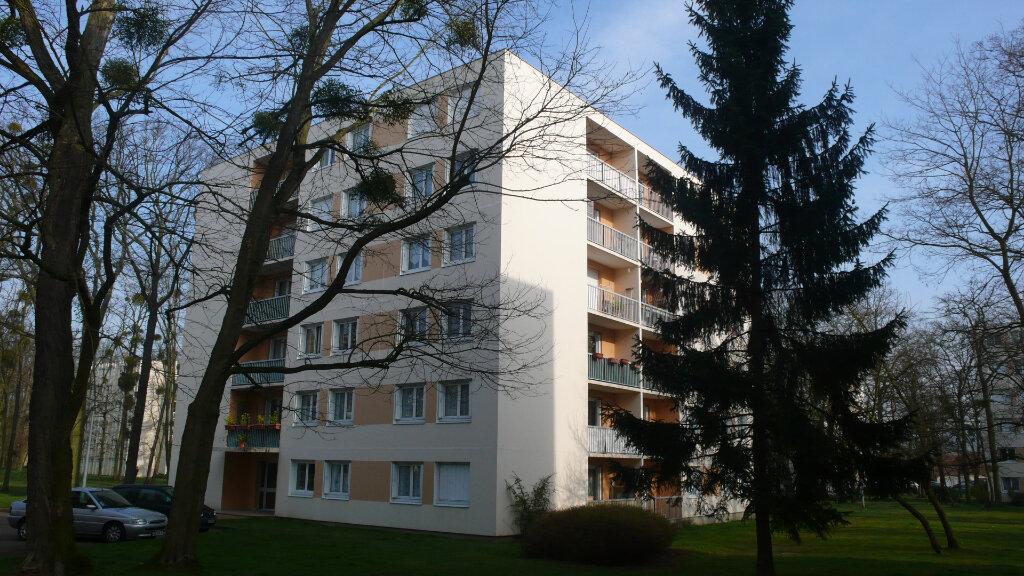 Appartement à louer 3 64.95m2 à Verneuil-sur-Seine vignette-1