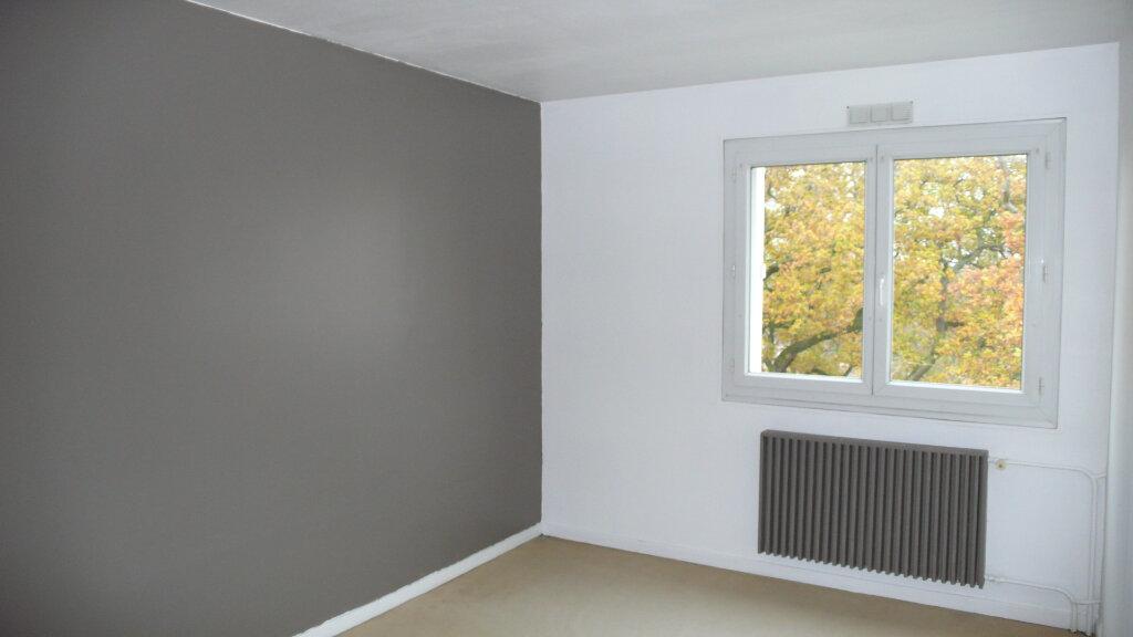 Appartement à louer 3 64.95m2 à Verneuil-sur-Seine vignette-6