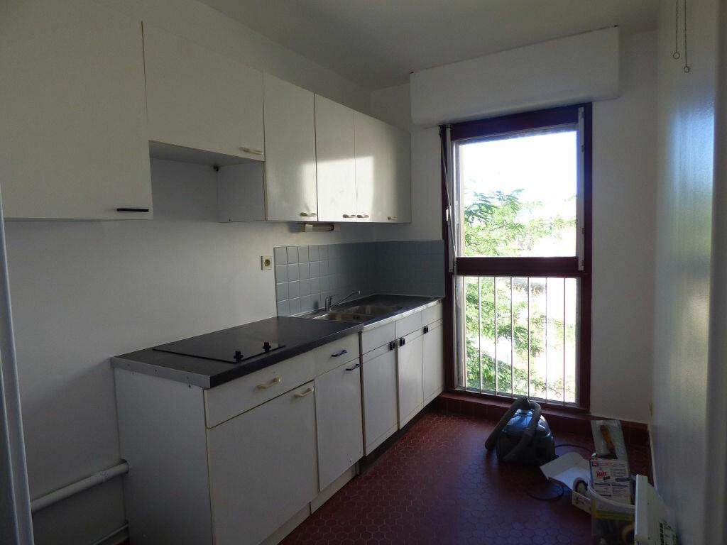 Appartement à louer 1 33m2 à Verneuil-sur-Seine vignette-3