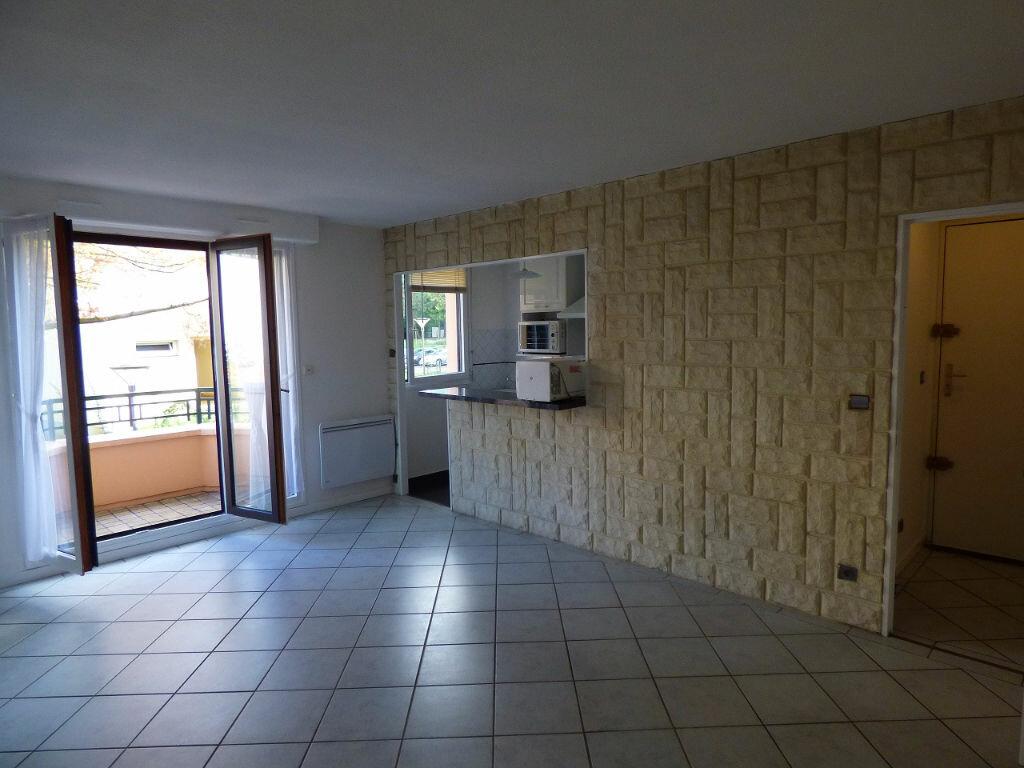 Appartement à louer 2 39.04m2 à Verneuil-sur-Seine vignette-3