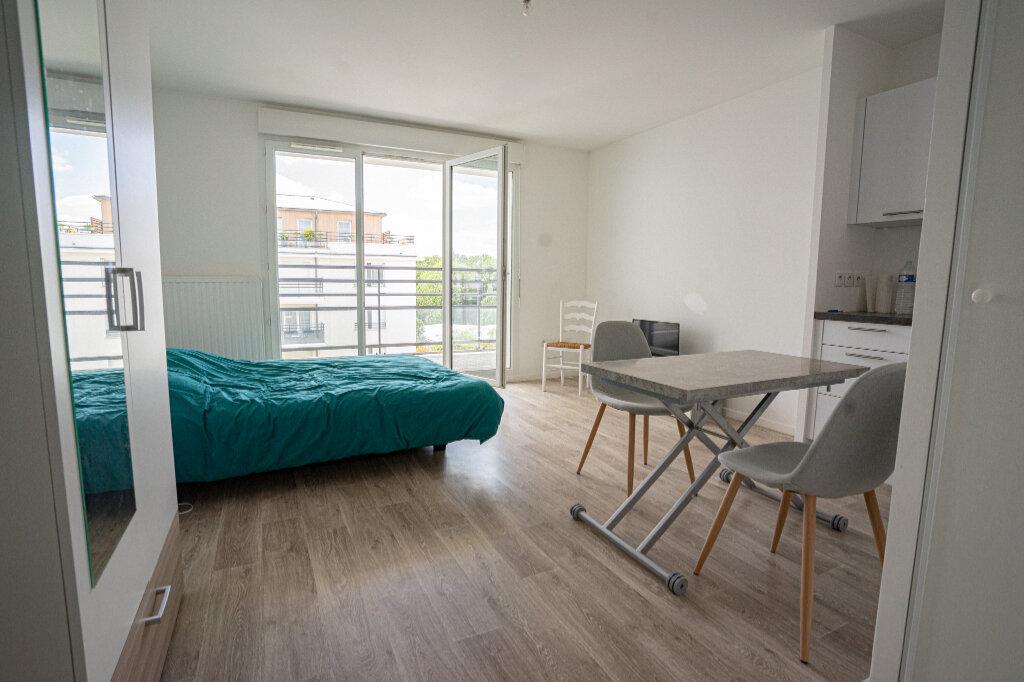 Appartement à vendre 1 28.5m2 à Verneuil-sur-Seine vignette-1