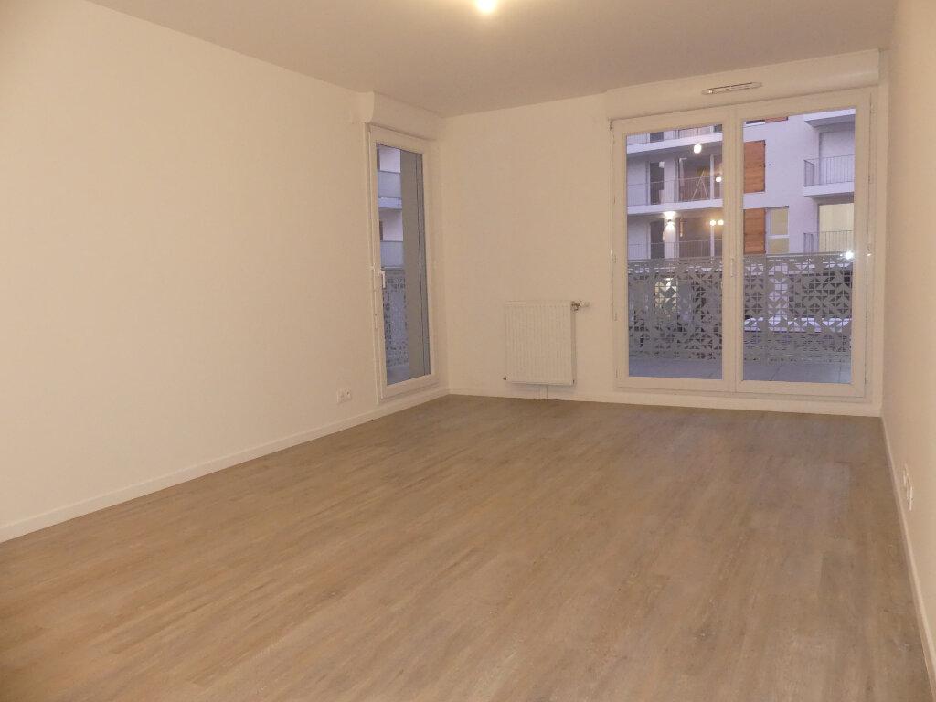 Appartement à louer 3 55.12m2 à Cergy vignette-3