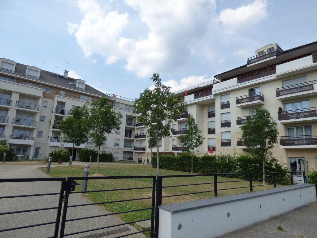Appartement à louer 1 23.59m2 à Carrières-sous-Poissy vignette-1