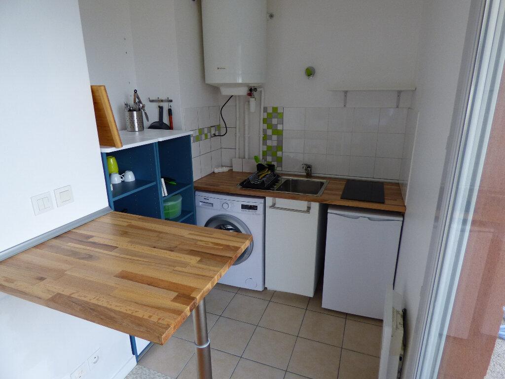 Appartement à louer 1 23.59m2 à Carrières-sous-Poissy vignette-7