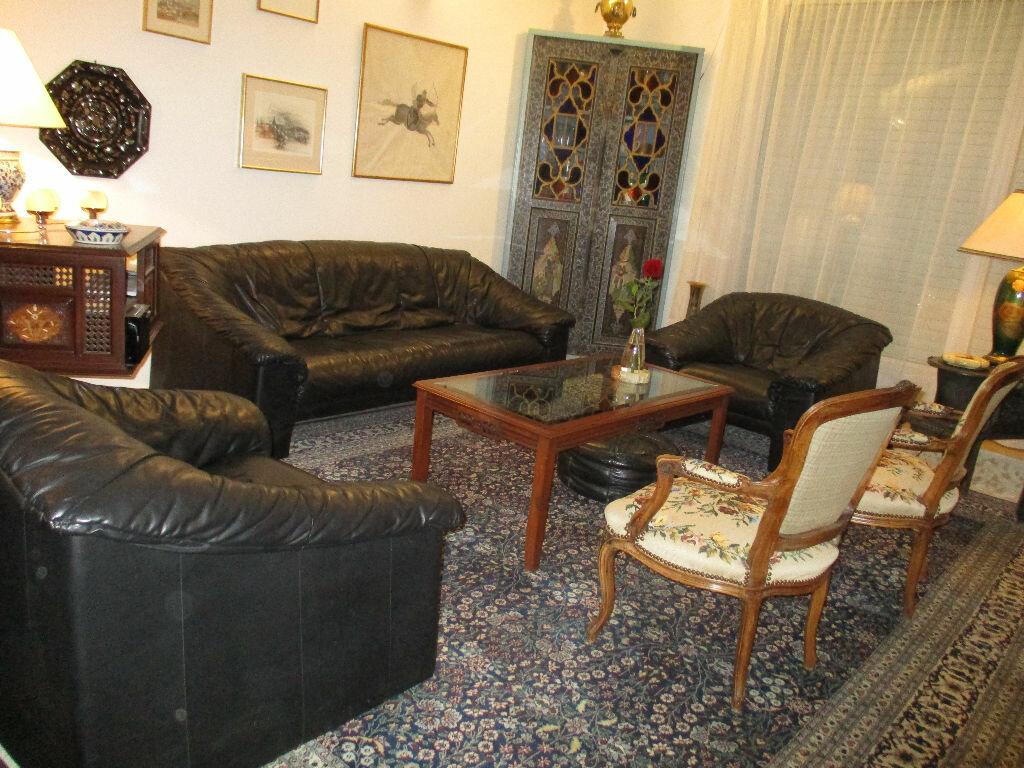 Maison à vendre 10 200m2 à Saint-Cyr-l'École vignette-2