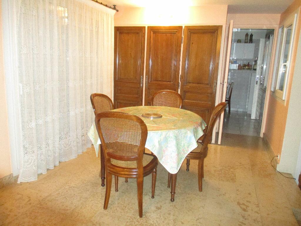 Maison à vendre 10 200m2 à Saint-Cyr-l'École vignette-4