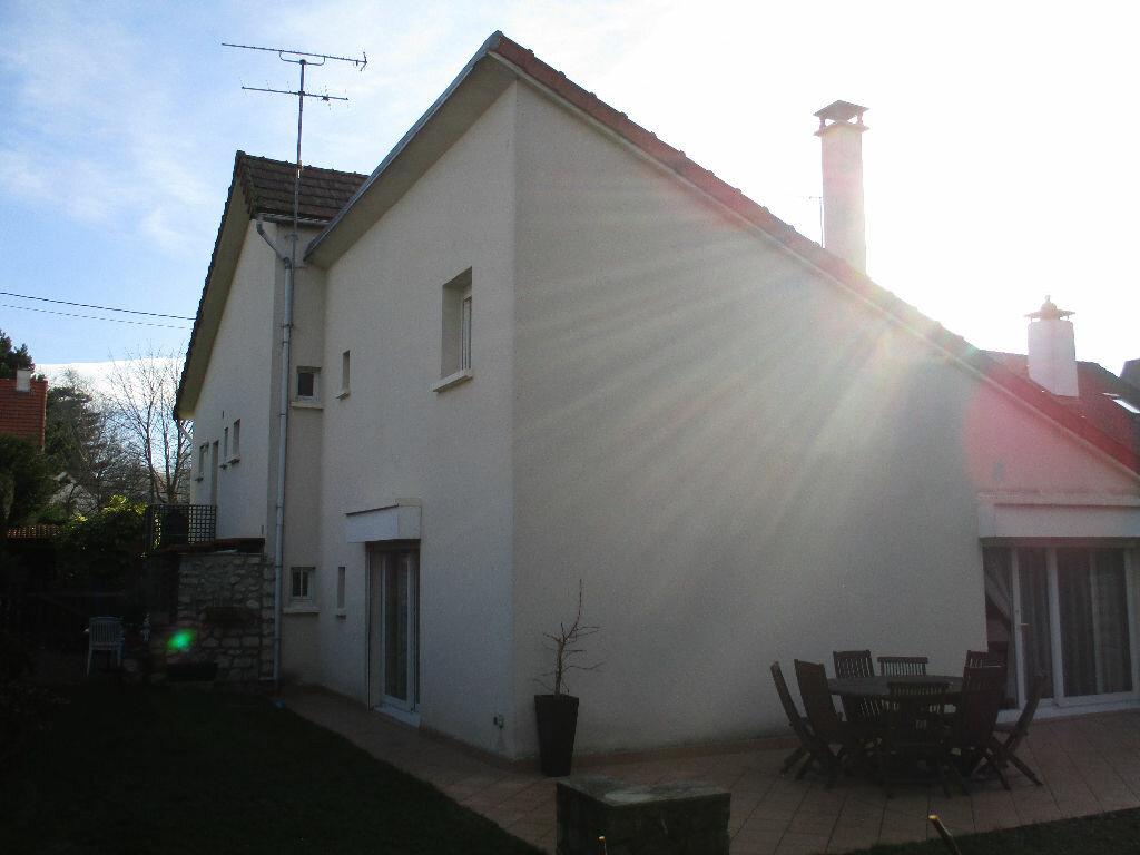 Maison à vendre 10 200m2 à Saint-Cyr-l'École vignette-9