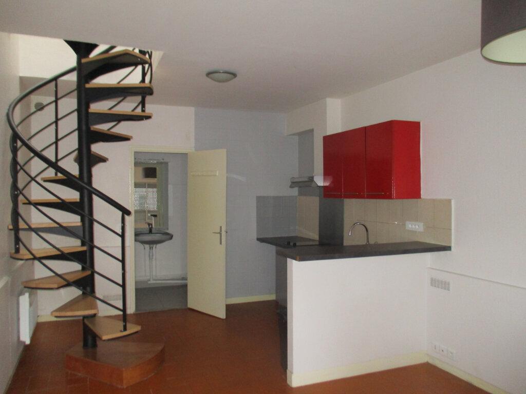 Appartement à vendre 3 48m2 à Versailles vignette-1