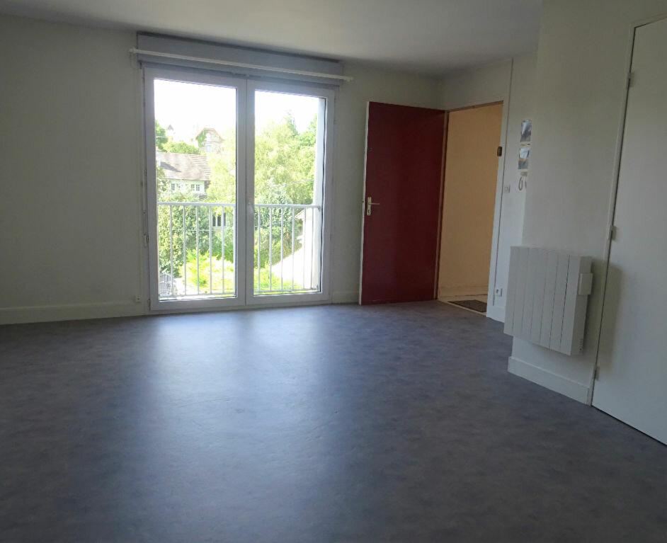 Appartement à louer 1 28.26m2 à Esbly vignette-2