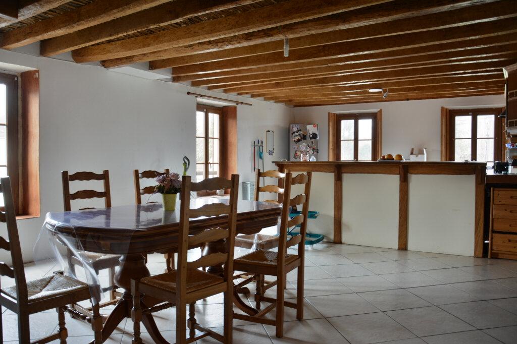 Maison à louer 7 154.58m2 à Pierre-Levée vignette-1