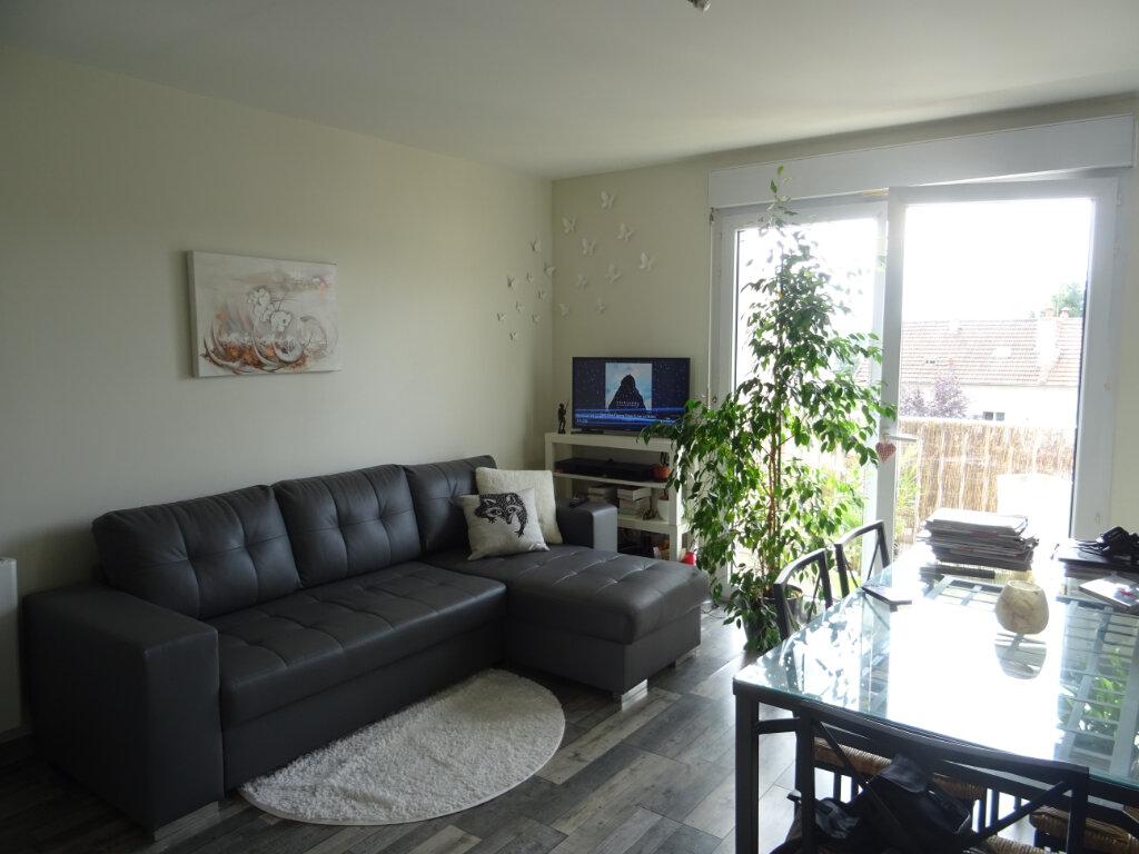 Appartement à louer 1 27.4m2 à Esbly vignette-2