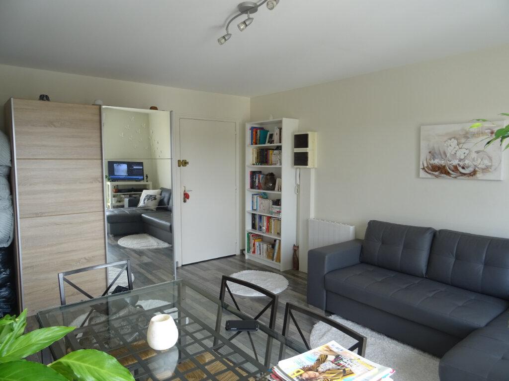 Appartement à louer 1 27.4m2 à Esbly vignette-3
