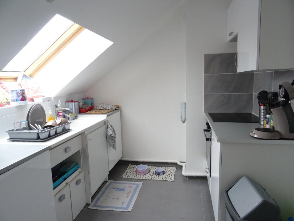 Appartement à louer 2 53.35m2 à Neufmoutiers-en-Brie vignette-3