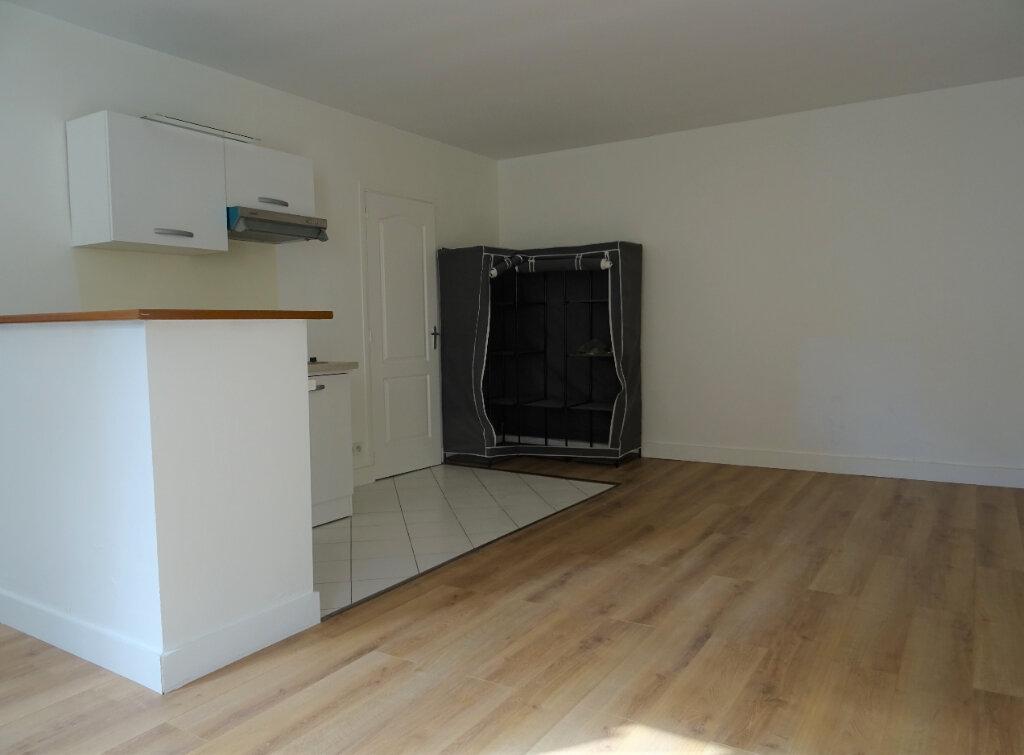 Appartement à louer 1 28.88m2 à Montry vignette-2