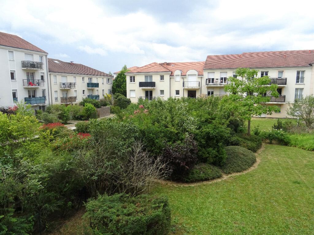 Appartement à louer 3 70.57m2 à Bussy-Saint-Georges vignette-1