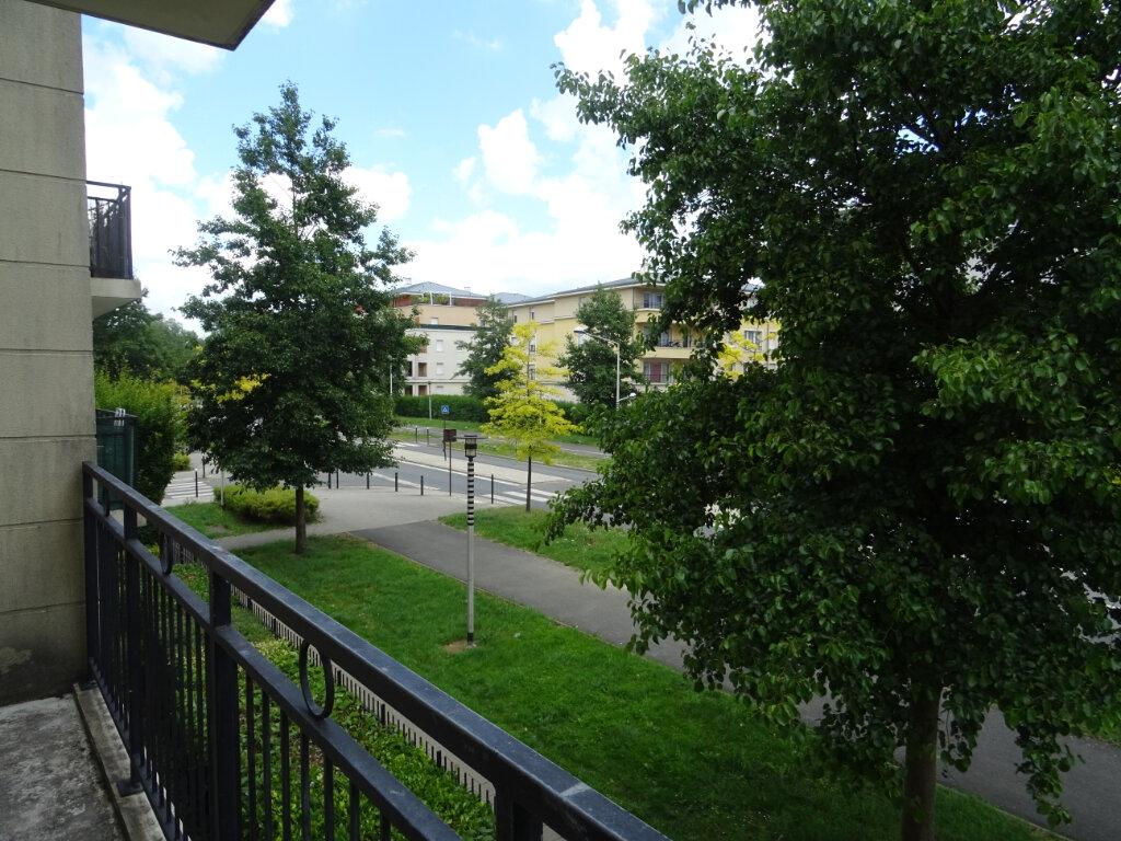 Appartement à louer 3 70.57m2 à Bussy-Saint-Georges vignette-6