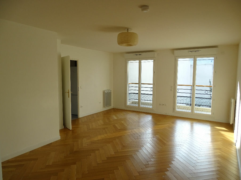 Appartement à louer 3 71.93m2 à Montrouge vignette-2
