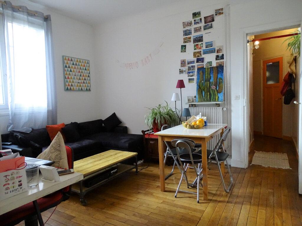 Appartement à louer 2 43m2 à Montrouge vignette-1