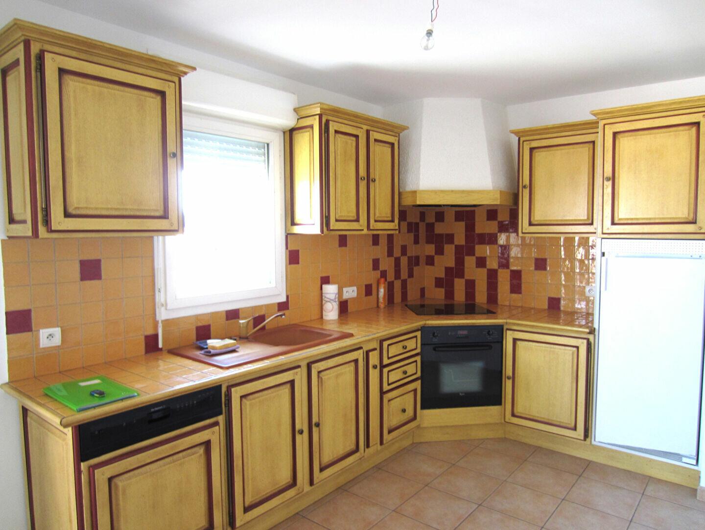 Appartement à louer 3 65m2 à Pertuis vignette-3