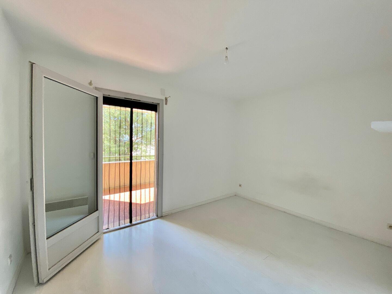 Appartement à louer 3 65m2 à Pertuis vignette-5