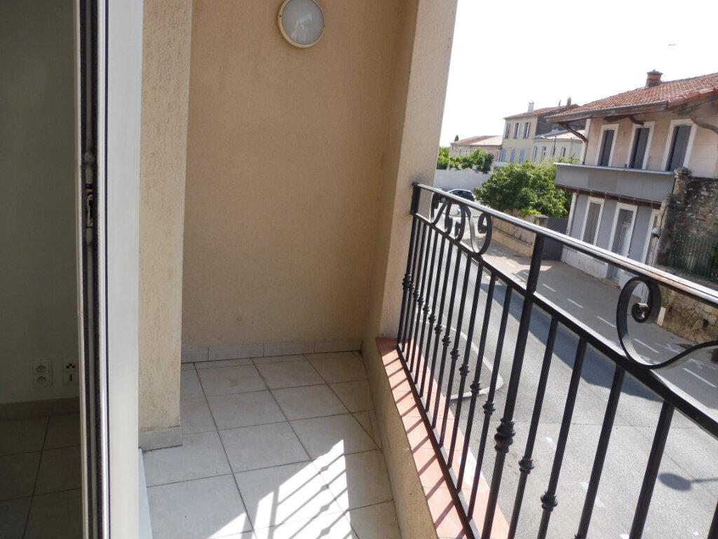 Appartement à louer 3 55m2 à Pertuis vignette-5