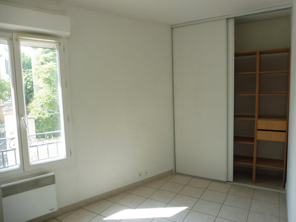 Appartement à louer 3 55m2 à Pertuis vignette-7