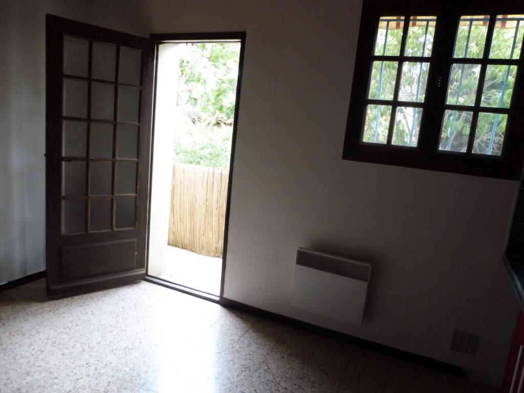 Appartement à louer 4 91m2 à Pertuis vignette-2