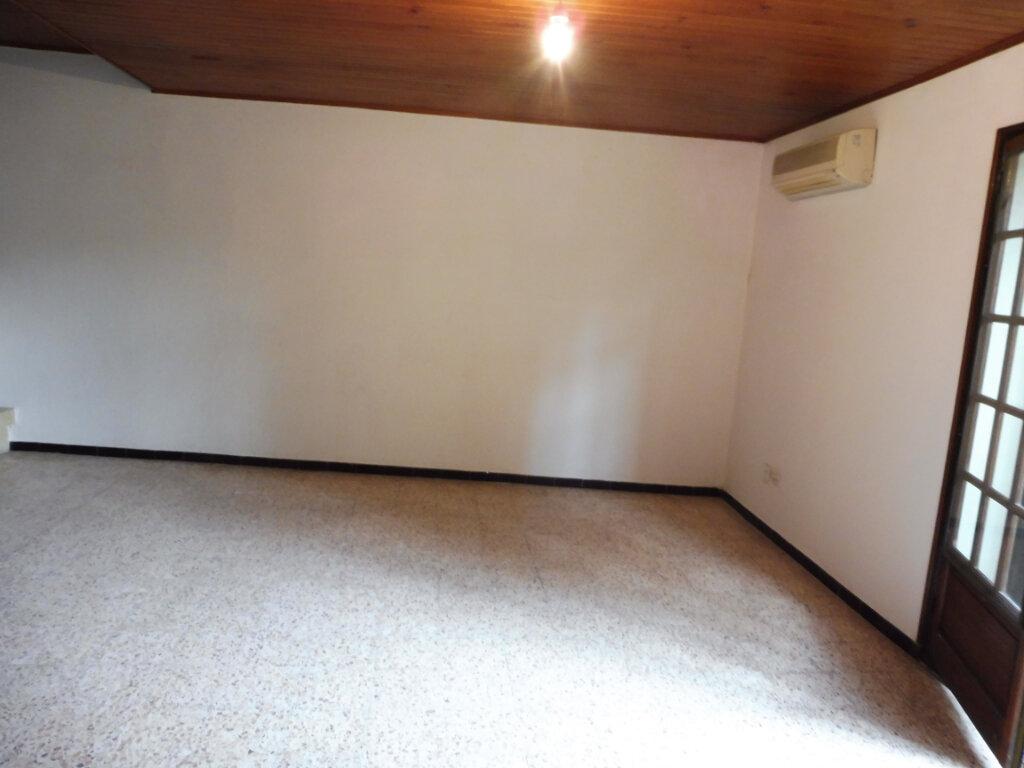 Appartement à louer 4 91m2 à Pertuis vignette-3