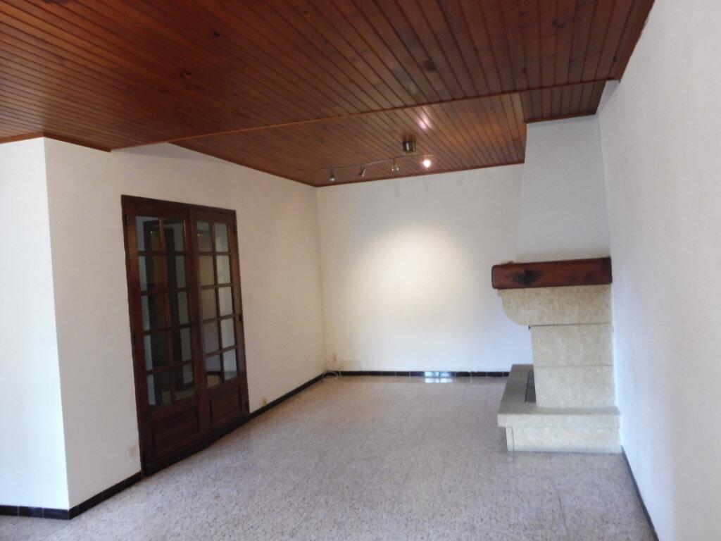 Appartement à louer 4 91m2 à Pertuis vignette-4