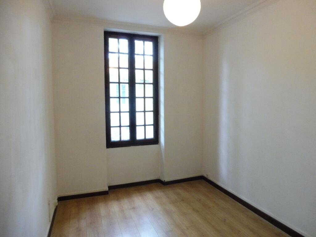 Appartement à louer 4 91m2 à Pertuis vignette-5