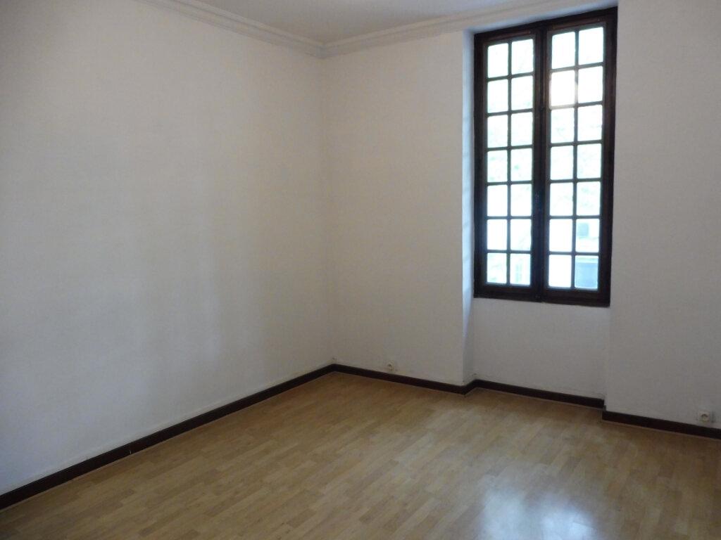 Appartement à louer 4 91m2 à Pertuis vignette-6