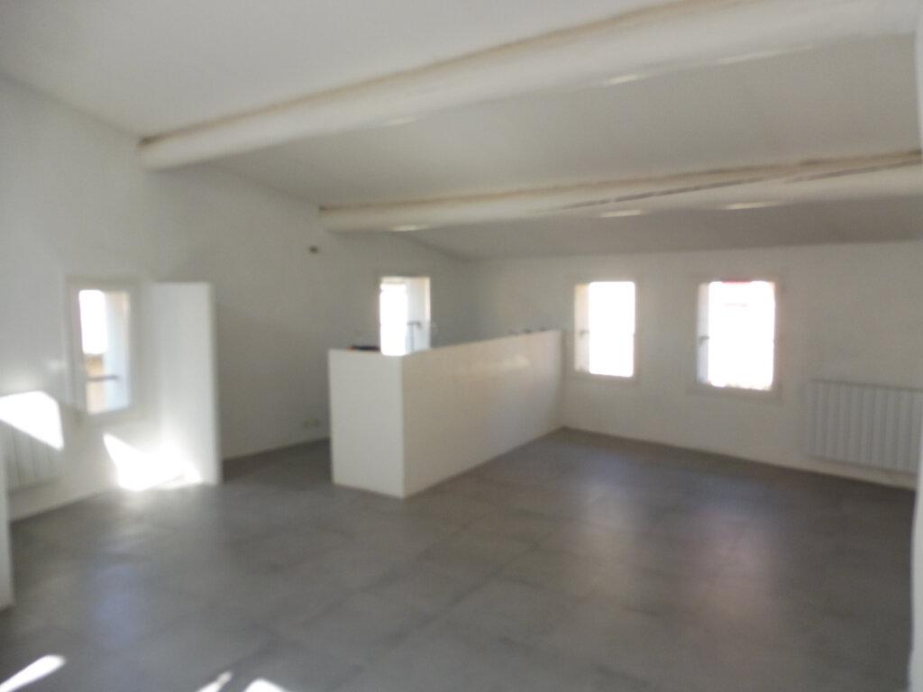 Maison à louer 3 59m2 à Cucuron vignette-2