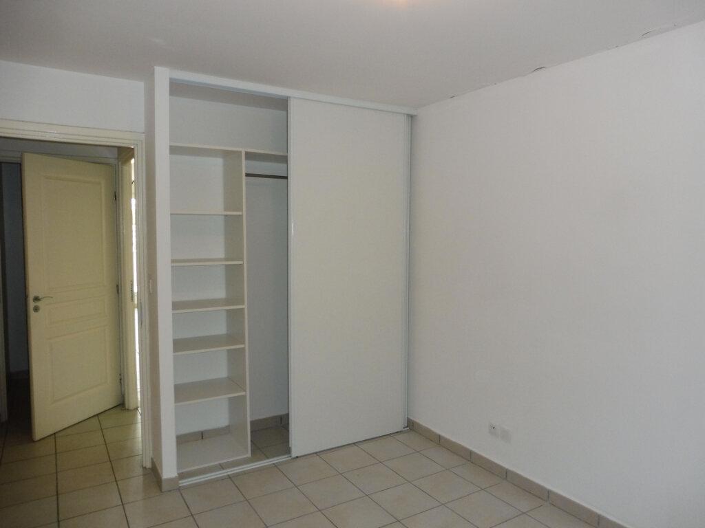 Appartement à louer 3 60m2 à Pertuis vignette-7