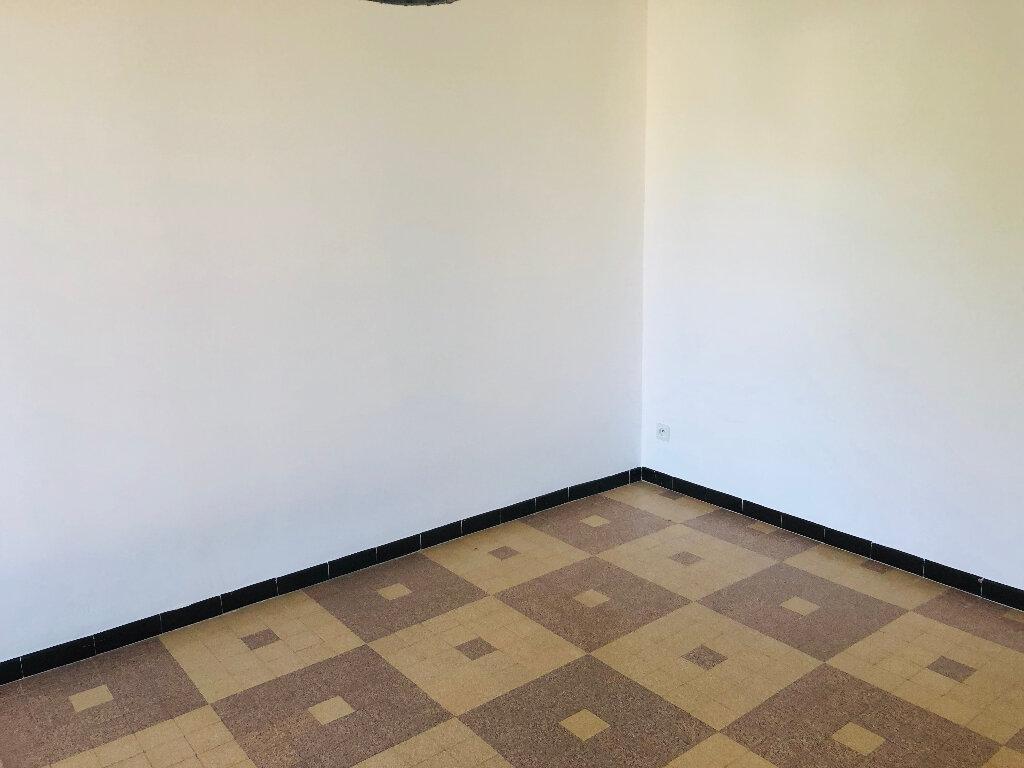 Appartement à louer 4 65.02m2 à Manosque vignette-4