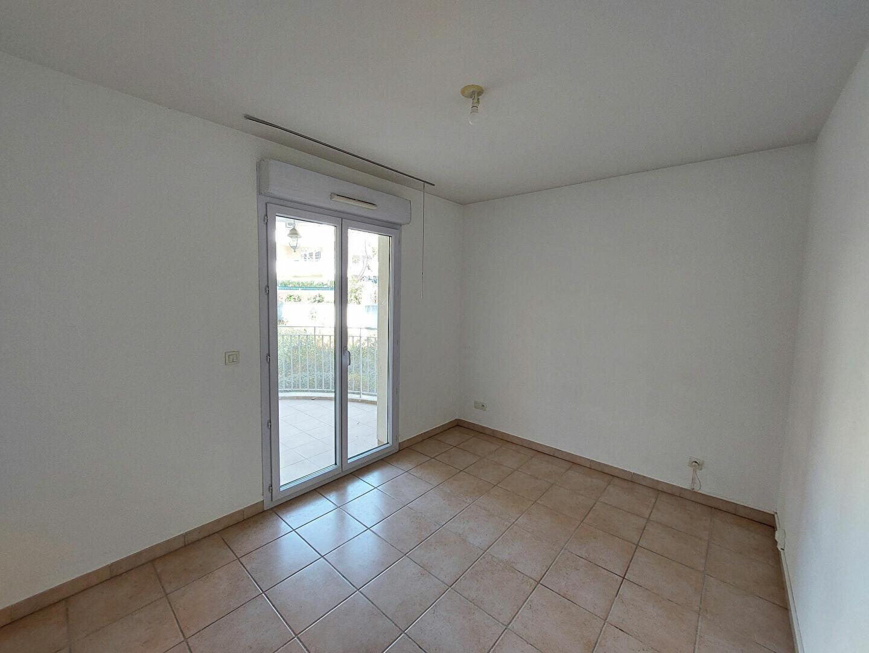 Appartement à louer 3 64.72m2 à Manosque vignette-5