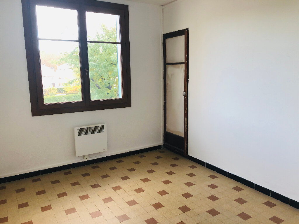 Appartement à louer 3 67m2 à Manosque vignette-3