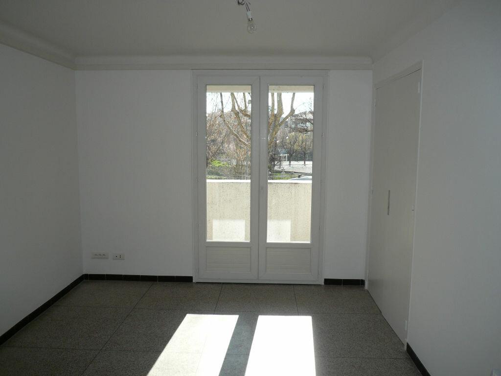 Appartement à louer 3 62m2 à Manosque vignette-1