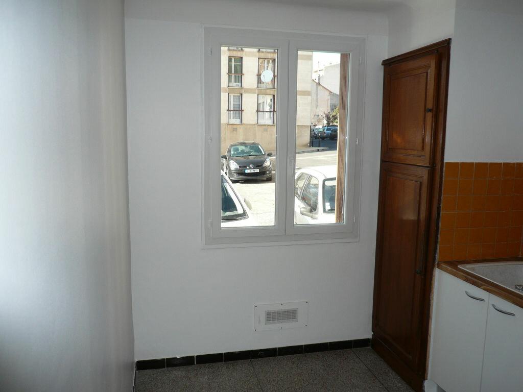 Appartement à louer 3 62m2 à Manosque vignette-4